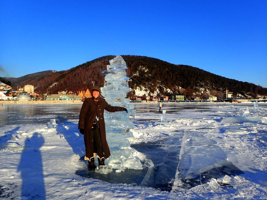 This image has an empty alt attribute; its file name is on-lake-baikal.jpg